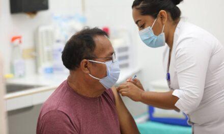 Vacunas de Sinovac para adultos mayores de Ticul, Espita y Kanasín