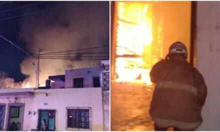 Se quemó carpintería en calle 47 por 50 del centro de Mérida