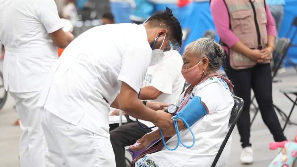 Se disparan contagios hoy; abuelo de 91 años entre siete fallecidos
