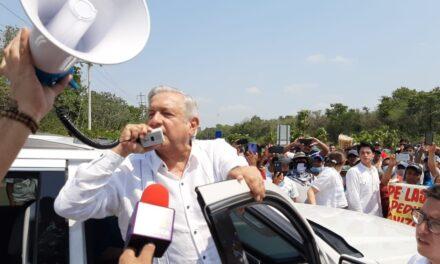 Promete AMLO solución y levantan bloqueo en carretera a Chetumal