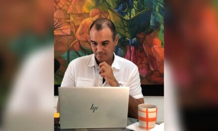 Candidato 'naranja' apuesta por emprendedores y empresarios en Mérida