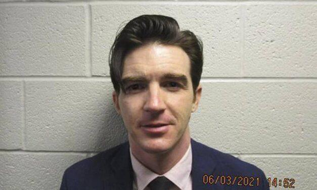 Drake Bell se declara culpable de cometer delitos contra una menor de edad