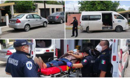 Viajaban a consulta en clínica T1 del IMSS y les chocan camioneta