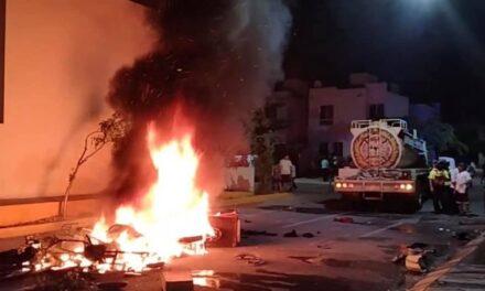 Incendian casa y mobiliario en Playa del Carmen en fallido linchamiento