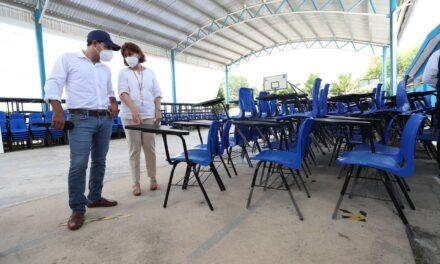Ahora tocó a Umán entrega de nuevo mobiliario a 18 escuelas del municipio