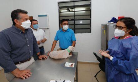 Alcalde de Mérida visita Módulo Veterinario para Perros y Gatos