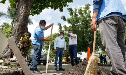 Desazolve de pozos, bacheo y limpieza en calles del norponiente de Mérida