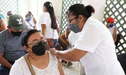 Repuntan hospitalizados este martes; rebasados 49 mil contagios