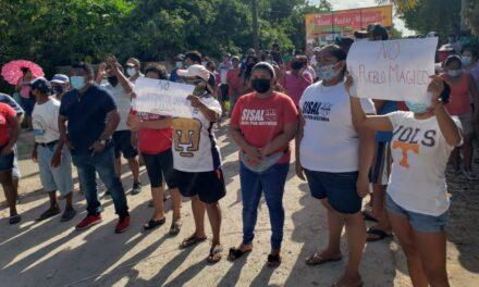 Pobladores de Sisal rechazan 'Pueblo Mágico' en el puerto