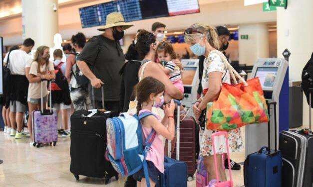"""Turismo en Cancún: nuevo """"récord"""" de vuelos en pandemia"""