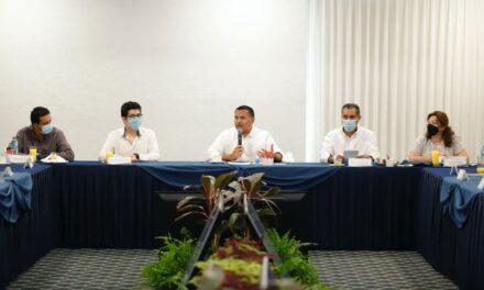 Presidentes municipales electos del país asisten a reunión en Mérida