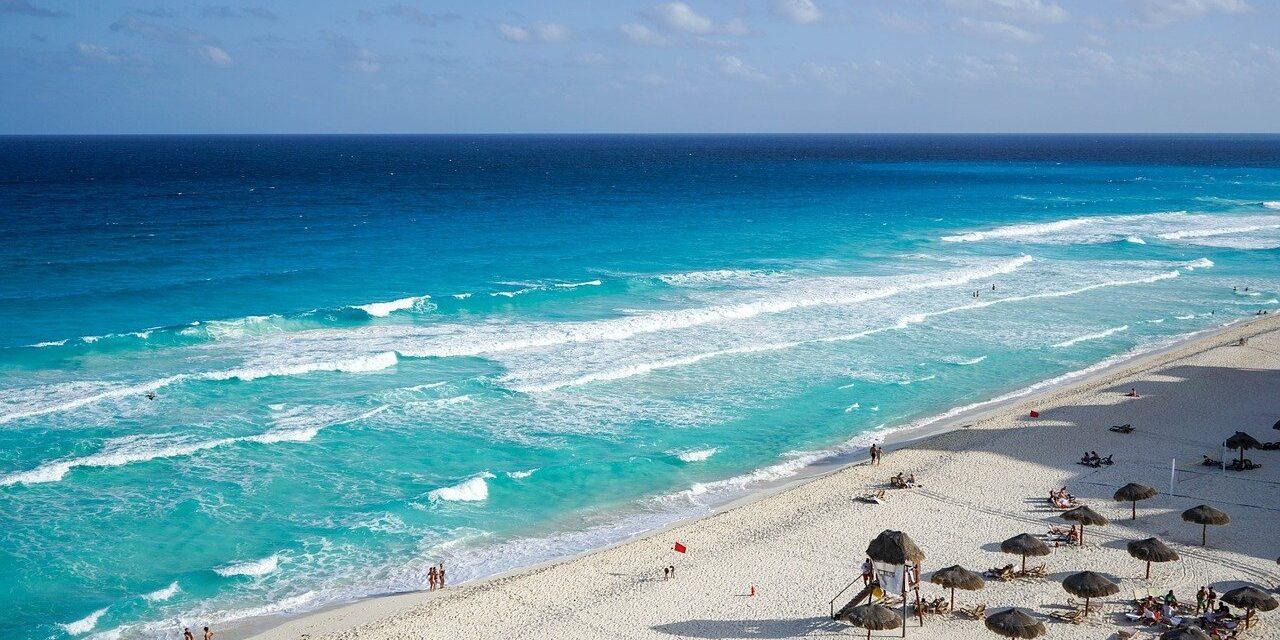 En viaje de graduación a Cancún contagiados 30 de Covid-19