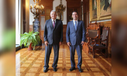 Vila y AMLO revisan planes de obras e inversiones para Yucatán