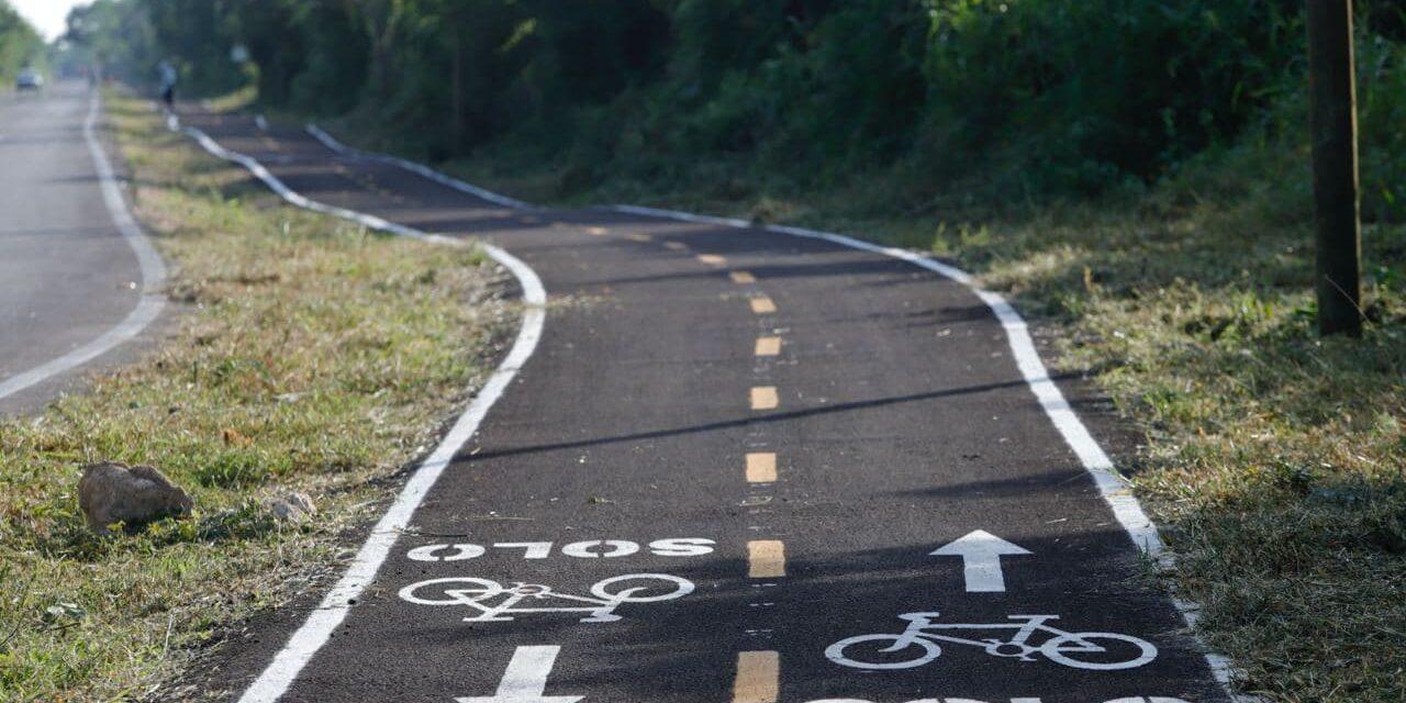 Entrega de ciclovía que va de carretera a Progreso a comisaría de Xcunyá